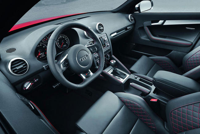 audi rs3 sportback 2011 la plus sportive. Black Bedroom Furniture Sets. Home Design Ideas