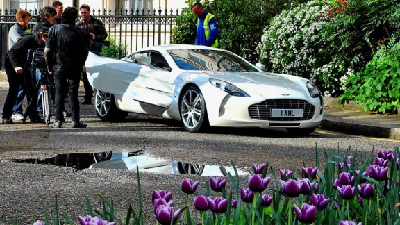 l'aston 77 de james bond
