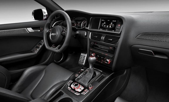 l'interieur d'audi rs4 2012