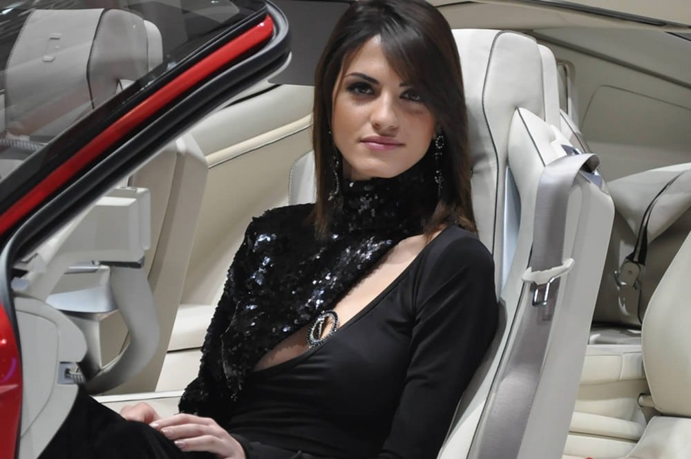 cars and girls  - Page 6 Belle-hotesse-geneve-2012