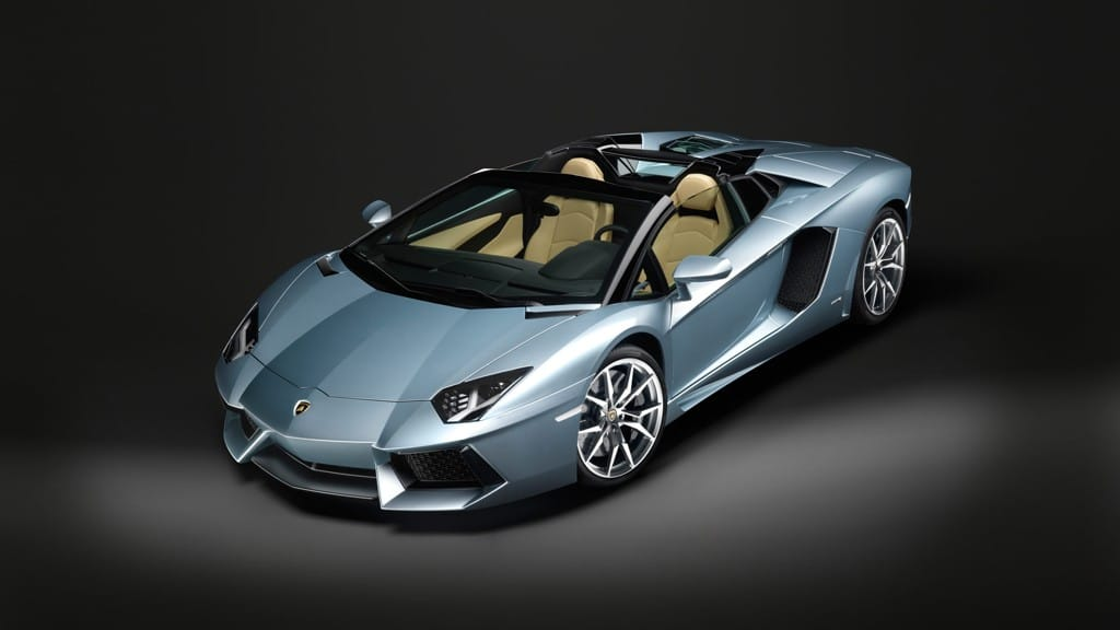 lamborghini aventador roadster sortie moteur et prix. Black Bedroom Furniture Sets. Home Design Ideas