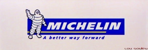"le slogan michelin en anglais ""a better way forward"""