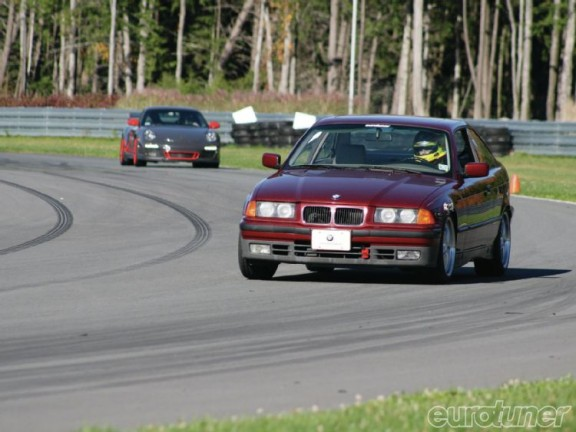 la bmw e36 235 is sur circuit
