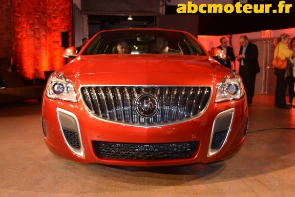 la face avant de la buick regal gs 2013