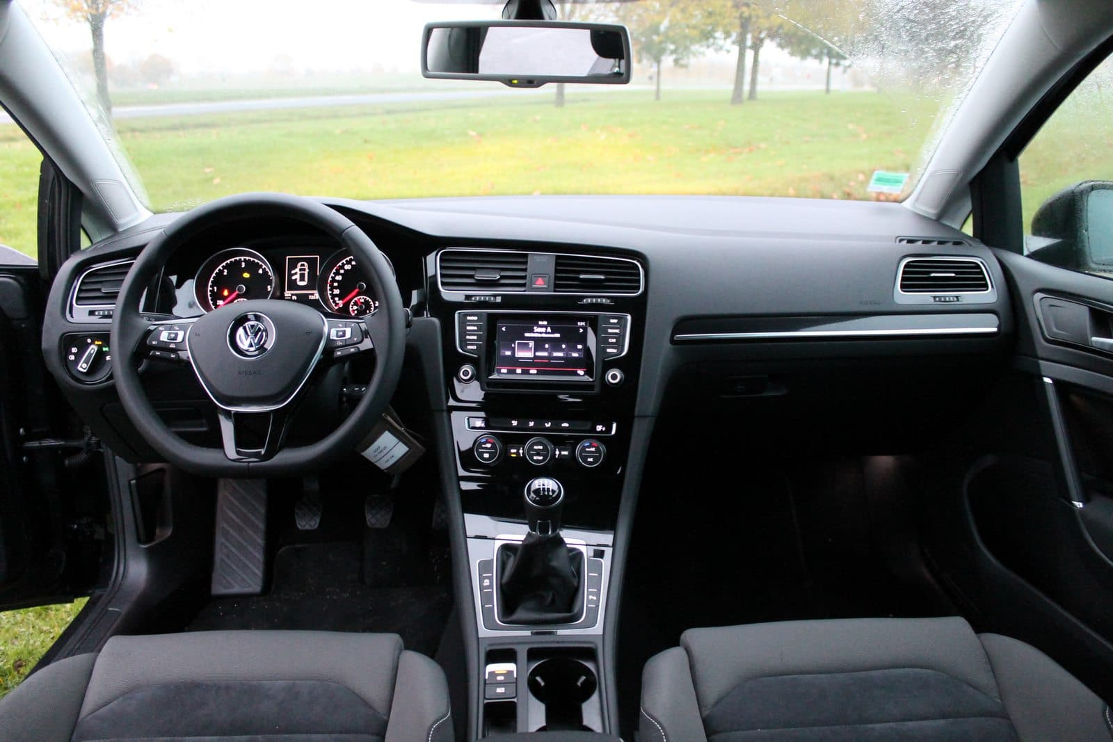 Essai nouvelle volkswagen golf vii tdi 150 toujours au top for Photo interieur