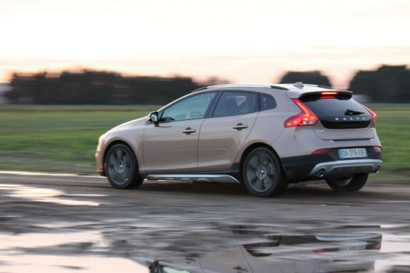 Volvo V40 Cross Country-3