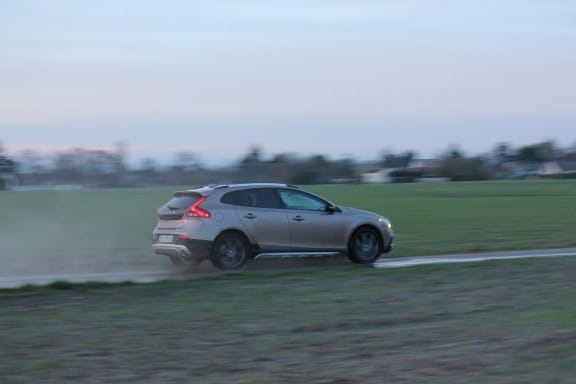 Volvo V40 Cross Country-4