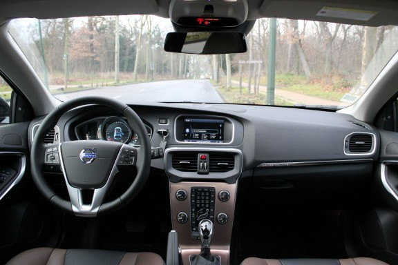 interieur v40 cross country summum cuir