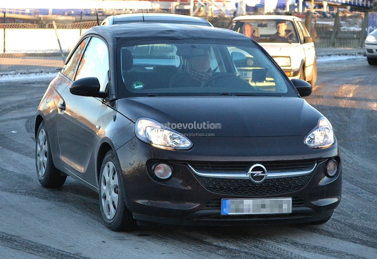 spyshots voici l 39 opel adam cabriolet. Black Bedroom Furniture Sets. Home Design Ideas
