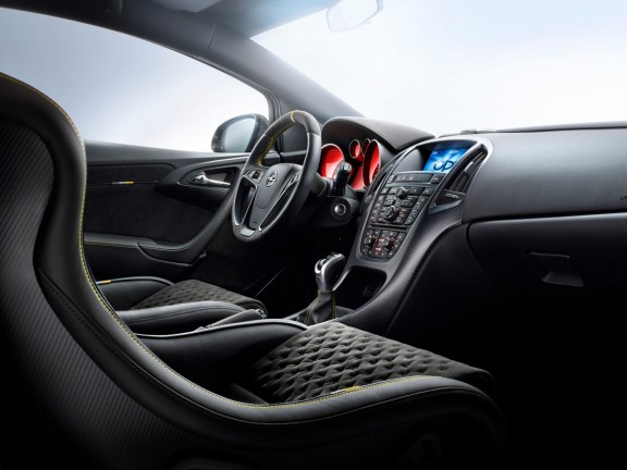 interieur-Astra-OPC-Extreme