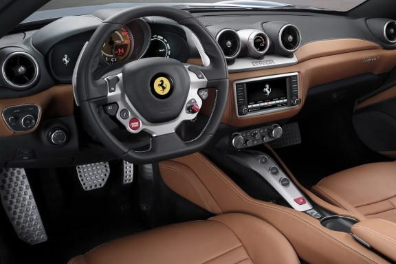 interieur Ferrari-California-T 2014