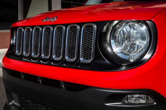 Jeep-Renegade-calandre
