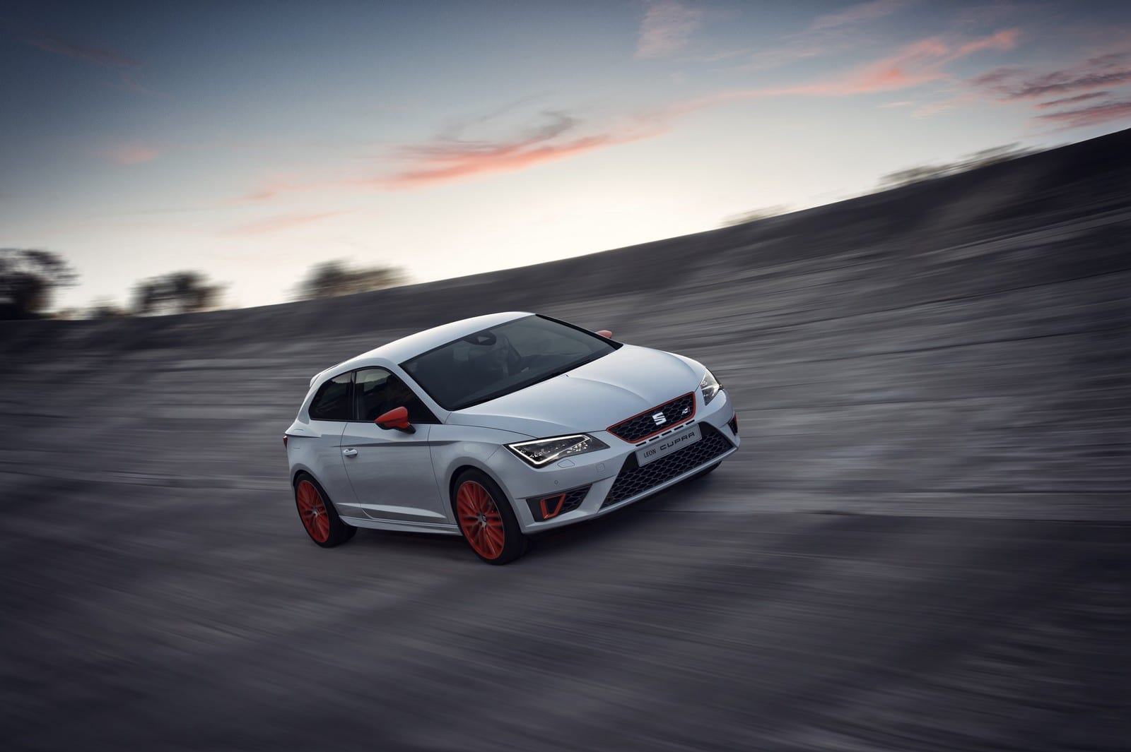 seat leon cupra performance pack 2014 la plus radicale. Black Bedroom Furniture Sets. Home Design Ideas