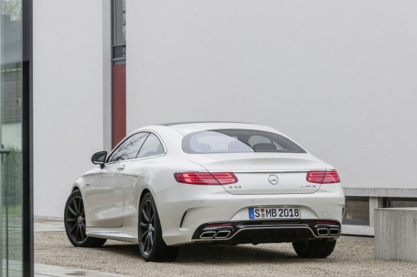 Mercedes-Classe-S-63-AMG-Coupe-arriere