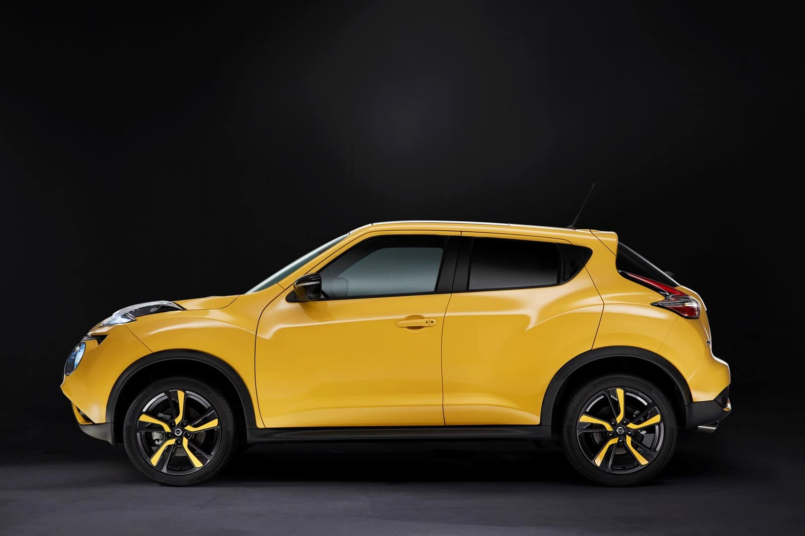 nissan juke 2014 un restylage en couleurs. Black Bedroom Furniture Sets. Home Design Ideas