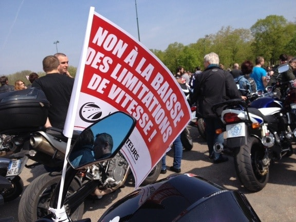 En direct – Manifestation 12 avril auto & moto à Paris