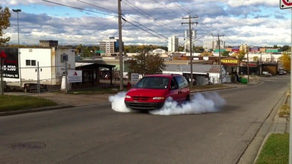 Dodge Caravan video burnout