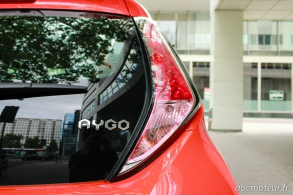 feux arriere Toyota Aygo 2014