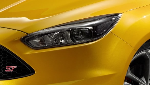 optique phare Focus ST 2014
