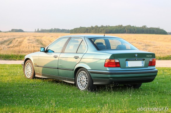 3-4 arriere BMW Serie 3 E36
