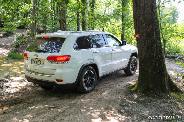 3-4 arriere Grand Cherokee