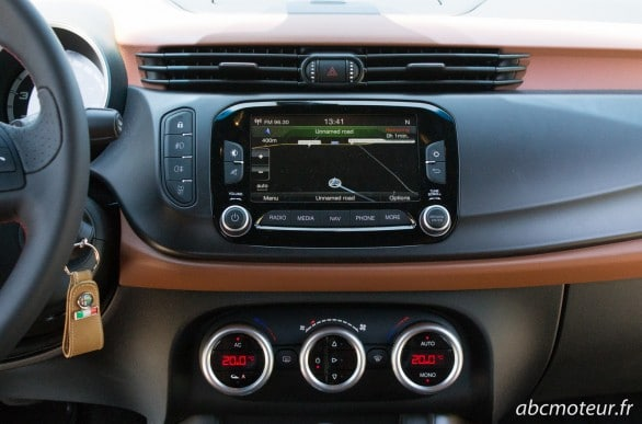 GPS tactile uConnect Giulietta QV