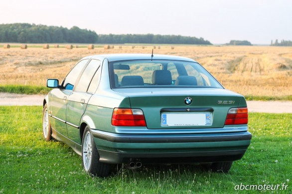 arriere BMW Serie 3 E36