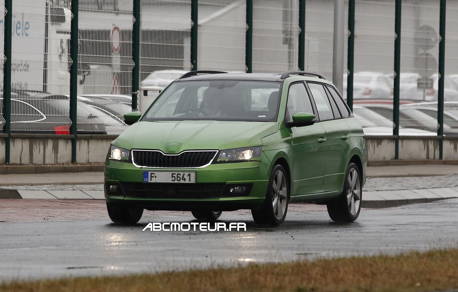 skoda fabia combi test 2014. Black Bedroom Furniture Sets. Home Design Ideas