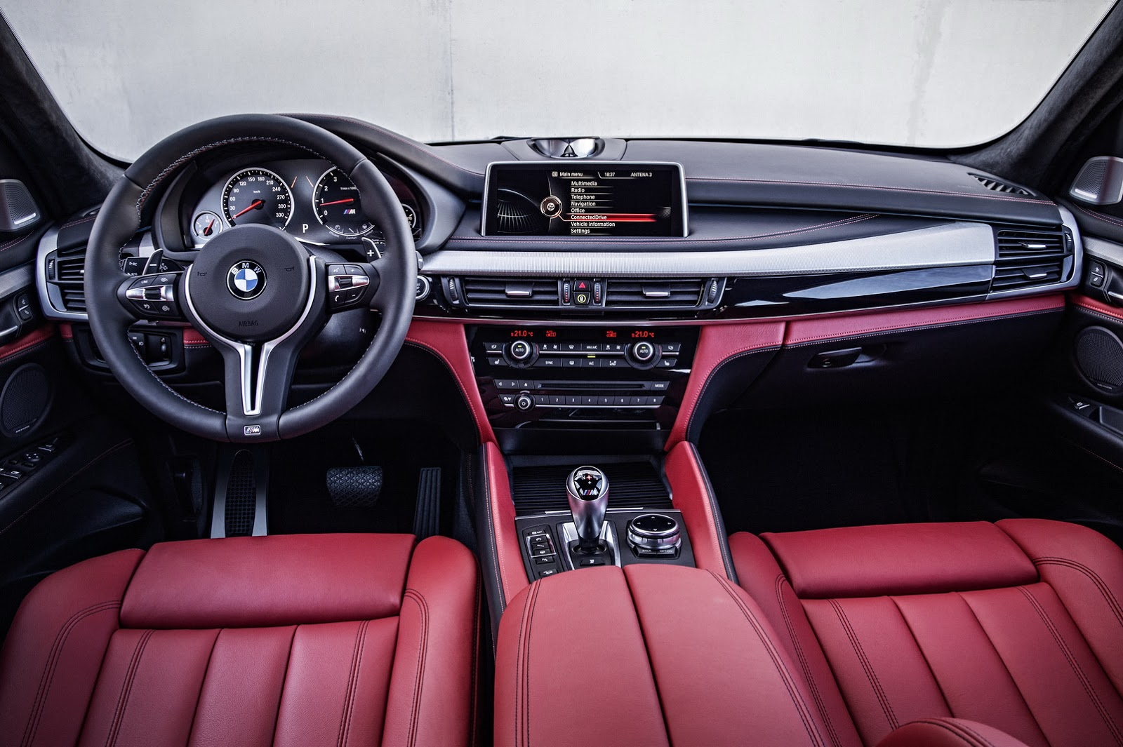 los angeles 2014 les bmw x5 m x6 m 2015 d boulent. Black Bedroom Furniture Sets. Home Design Ideas