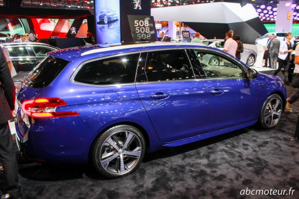 profil Peugeot 308 GT break Paris 2014