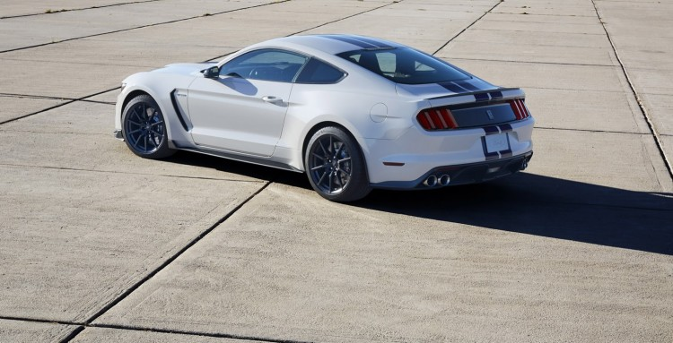Ford-Mustang-Shelby-GT350 2015