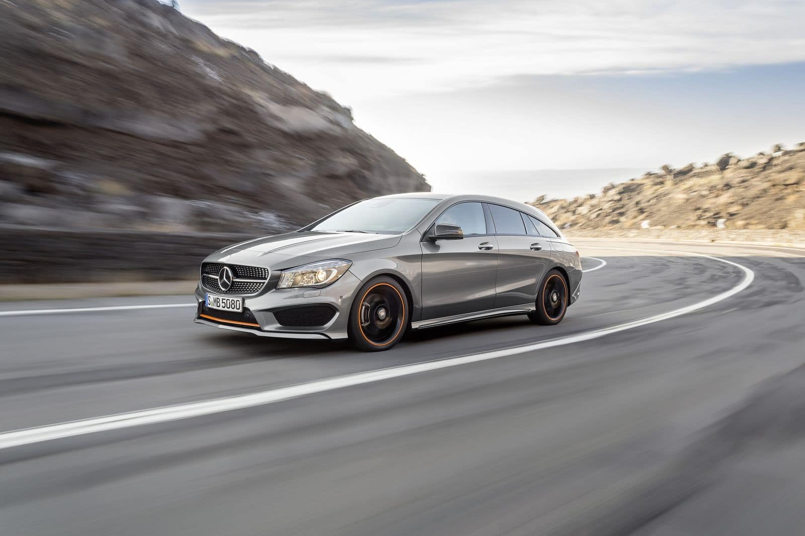 mercedes cla shooting brake juste au dessus des 30 000. Black Bedroom Furniture Sets. Home Design Ideas