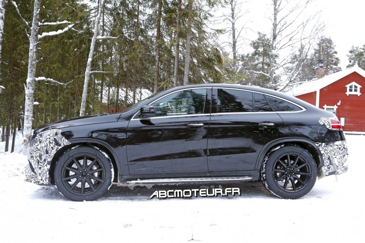 vue profil Mercedes-AMG GLE 63 Coupe
