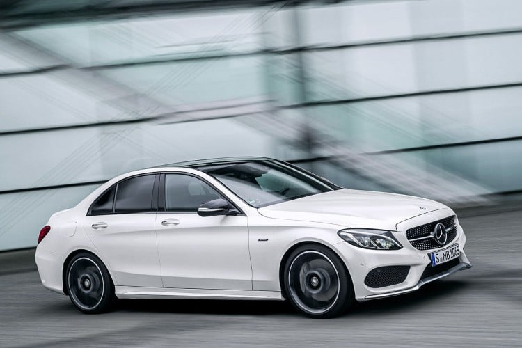 action Mercedes-C450-AMG-Sport