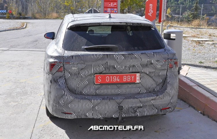 arriere Toyota Avensis Wagon