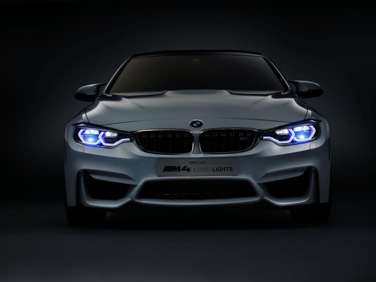 avant BMW-M4-Concept-Iconic-Lights