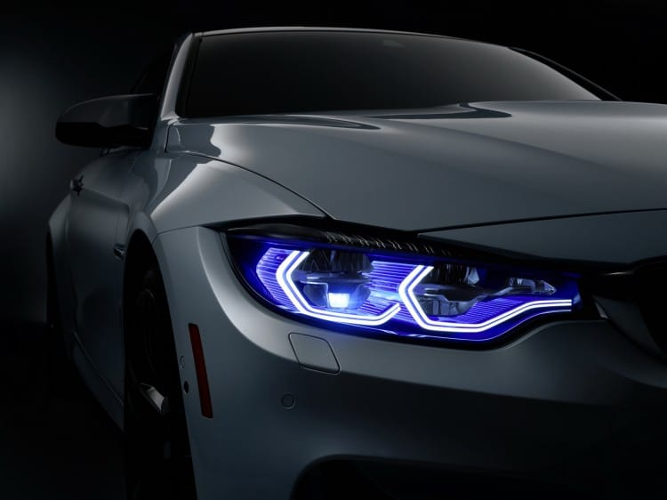phare laser BMW-M4-Concept-Iconic-Lights