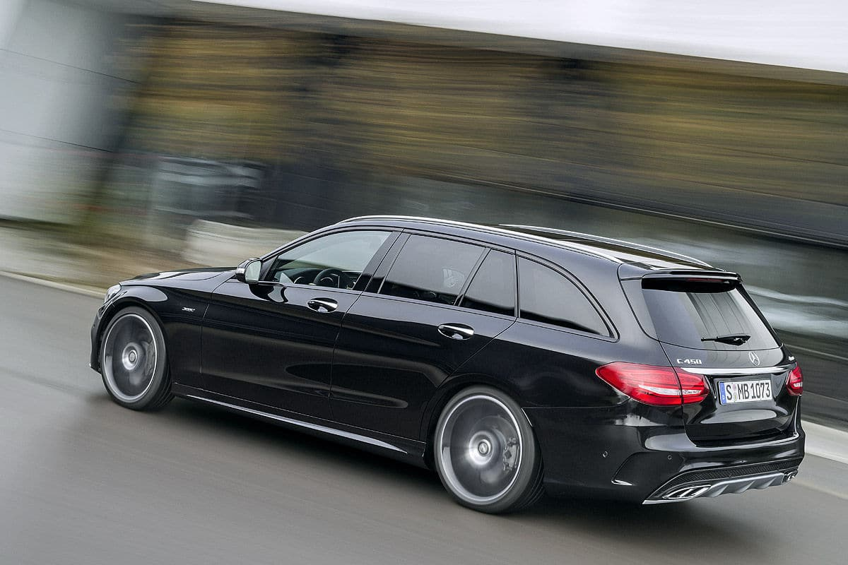 mercedes c 450 amg 4matic un v6 turbo de 362 ch. Black Bedroom Furniture Sets. Home Design Ideas