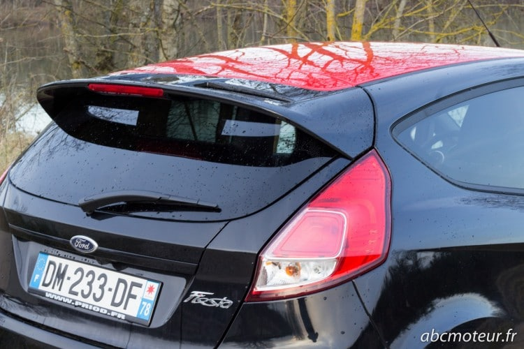 aileron Ford Fiesta Black Edition