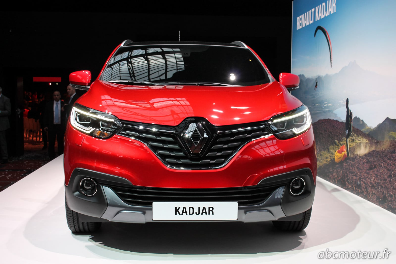 renault kadjar le 1er suv compact au losange se d couvre. Black Bedroom Furniture Sets. Home Design Ideas