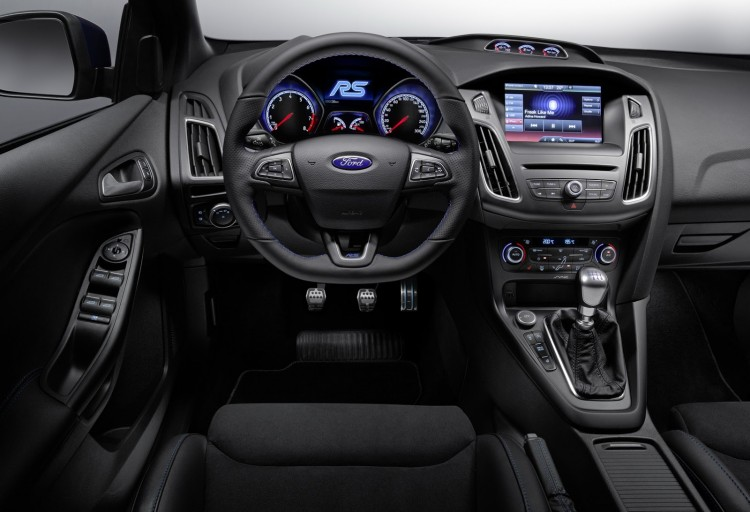 interieur nouvelle Ford Focus RS 2015