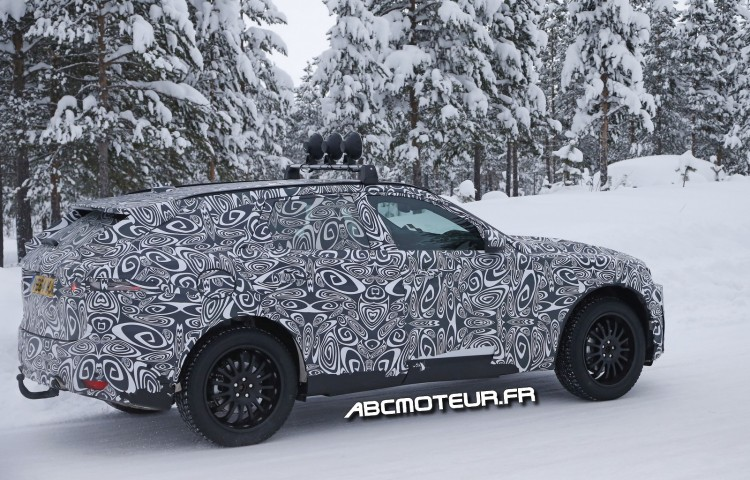 photo volee Jaguar F-Pace