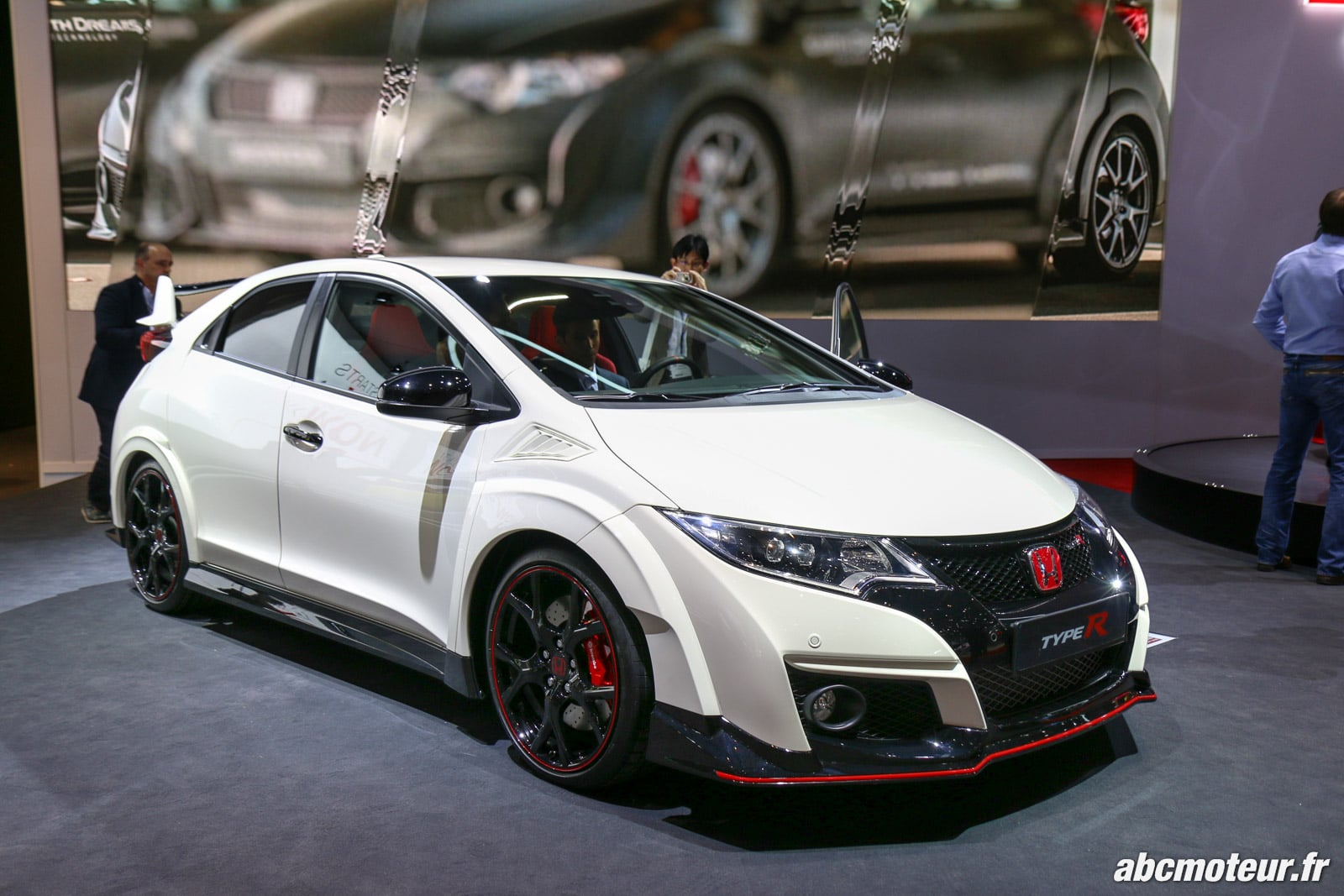 honda civic type r 2015 tarifs quipements et nos photos. Black Bedroom Furniture Sets. Home Design Ideas
