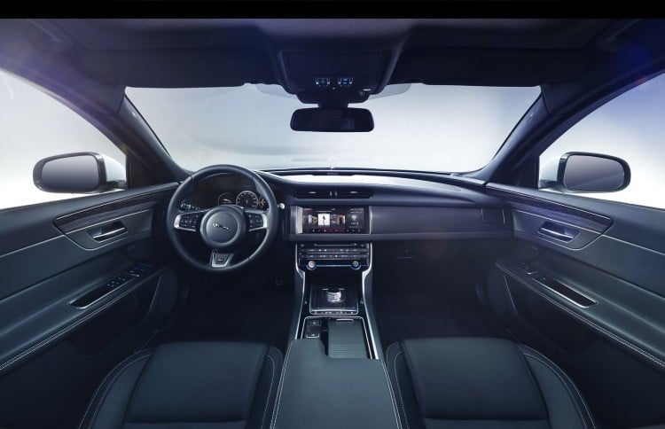 interieur Jaguar-XF-2015