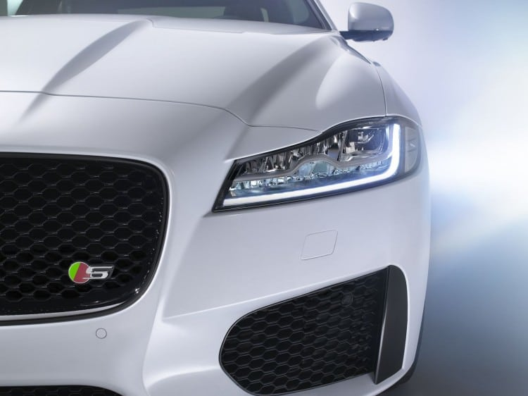 optique avant Jaguar-XF-2015
