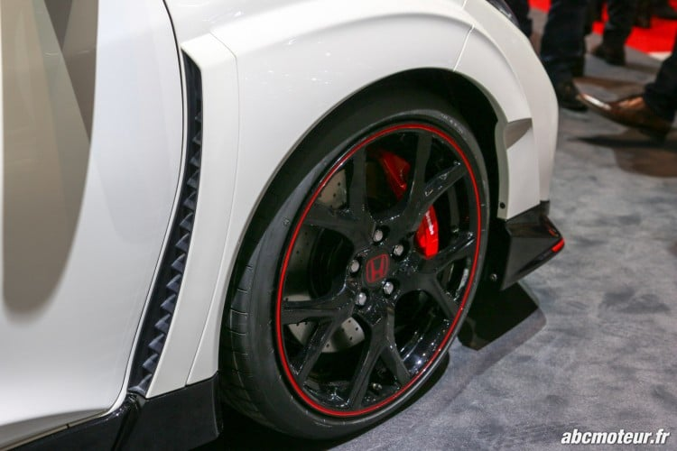ouie laterale Honda Civic Type R Geneve 2015