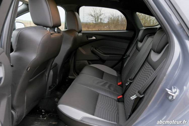 places arriere Ford Focus ST