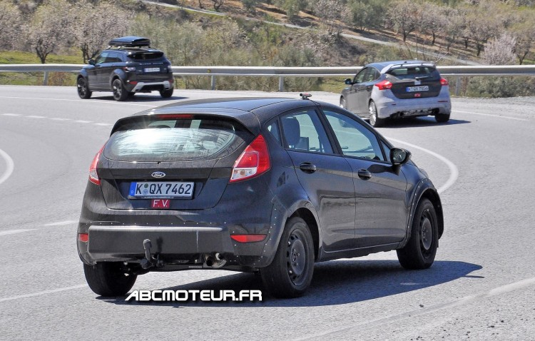 vue 3-4 arriere Ford Fiesta RS