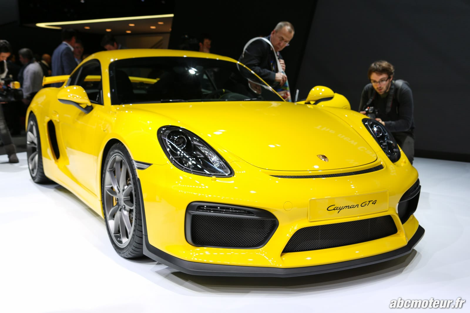 Nos photos du plus radical des Porsche Cayman, le GT4 !