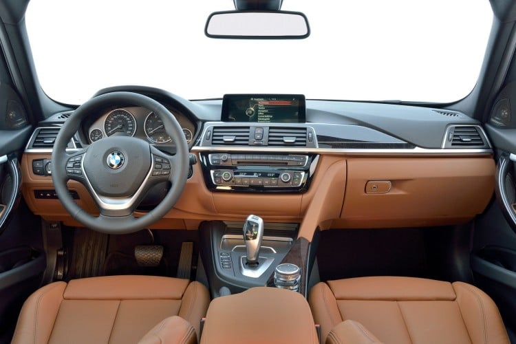 interieur Bmw-Serie-3-Restylage-2015